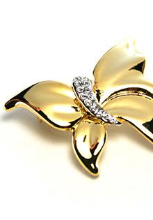 Brosa placata cu aur alb si galben