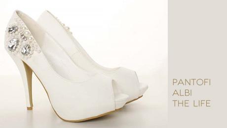 Pantofi albi The Life