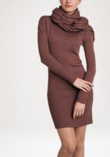 Rochie pulover cu esarfa