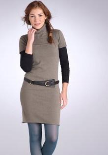 Rochie pulover cu decolteu rotund