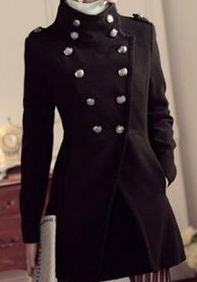 Palton negru la Miss Pretty