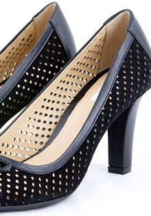 Pantofi GEOX negri cu funda aplicata