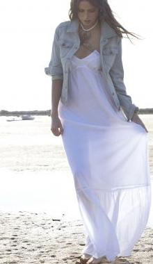 Rochie lunga alba de plaja