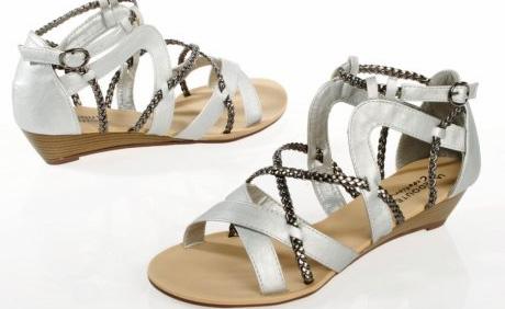 Sandale vara 2012 cu multe curele