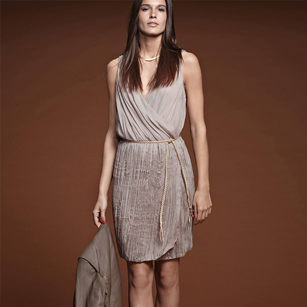 Rochie plisata femei si curea