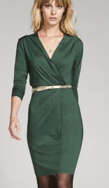 Rochie verde petrecuta cu decolteu