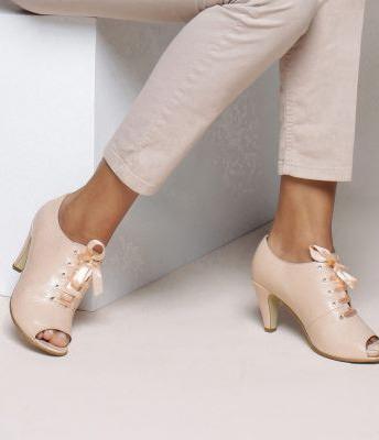Pantofi derby cu sireturi pentru femei