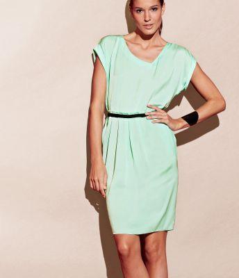 Rochie verde pastel cu decolteu fantezie