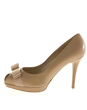 Pantofi nude Salvatore Ferragamo