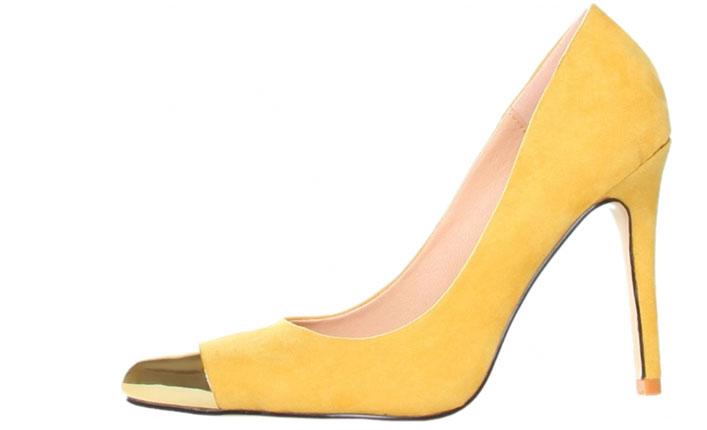 Pantofi galbeni cu varf metalic