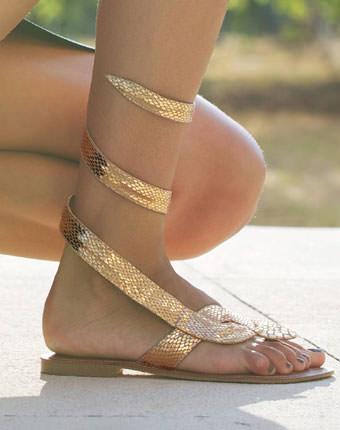 Sandale cu brida intre degete