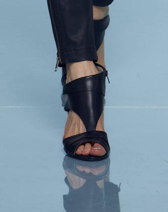 Sandale inalte pentru femei