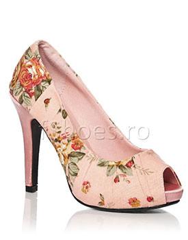 Pantofi Romantic