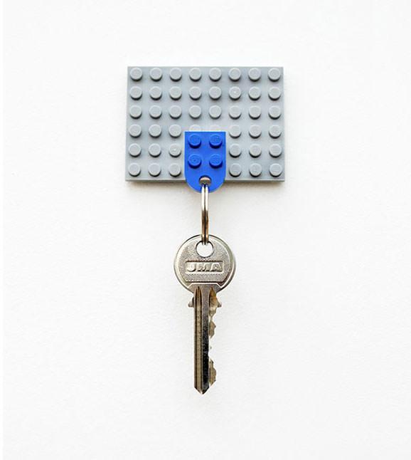 Suport pentru chei din piese LEGO