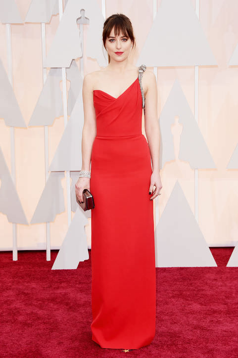 17dakota-johnson-red-saint-laurent-dress-oscars-2015-h724