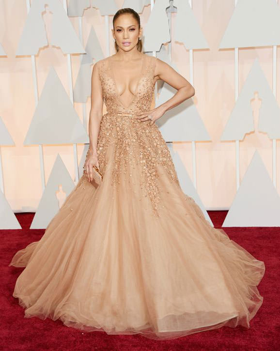 1jennifer-lopez-pale-gown-dress-oscars-2015-h724