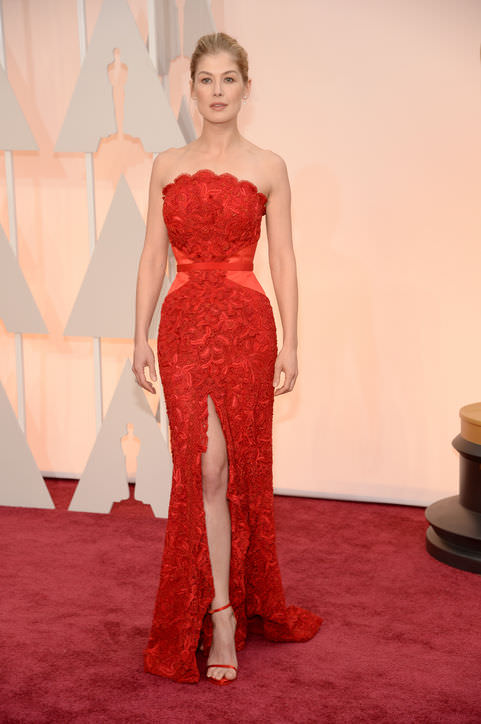5rosamund-pike-red-dress-oscars-2015-h724