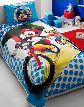 Lenjerie de pat Disney Mickey si Goofy