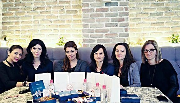 poza-de-grup-bloggerite-march-women-blogmeet-bacauedit