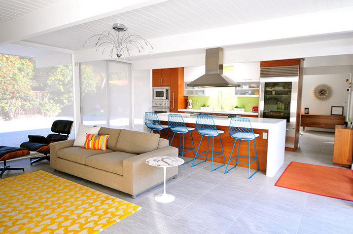 canapea-care-separa-livingul-de-zona-de-luat-masa