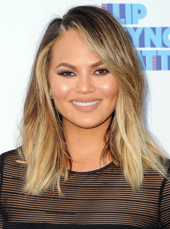 1chrissy-teigen-blond-pamantiu
