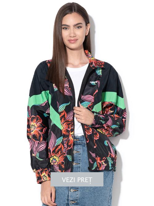 jacheta-cu-imprimeu-floral-si-logo-pe-partea-din-spate-femei-levi-s