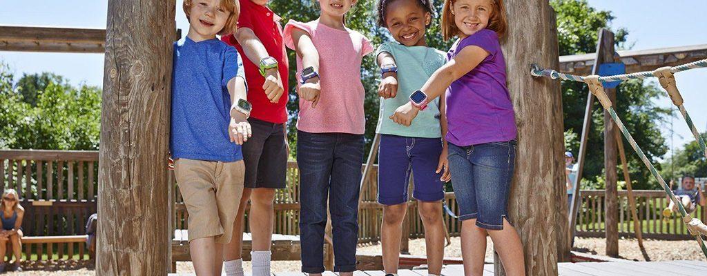 Ceasuri cu GPS și telefon pentru copii – de unde le cumpărăm online