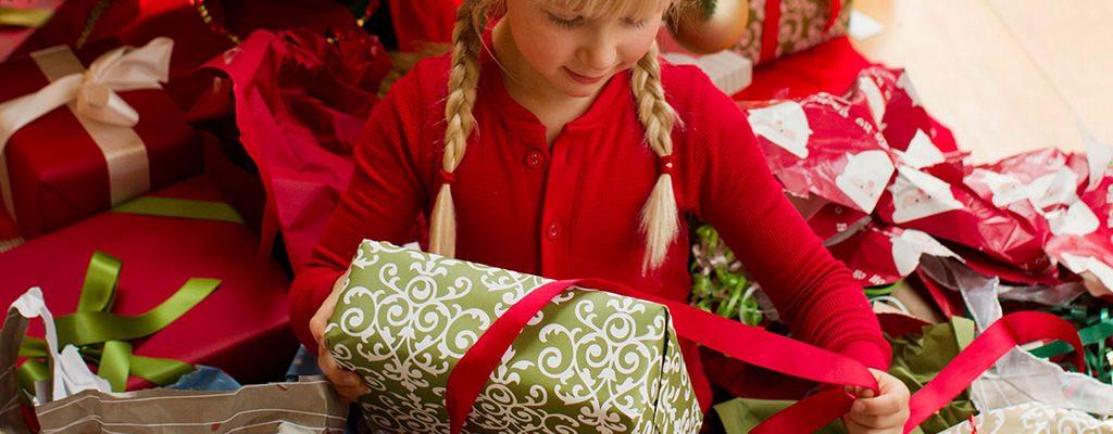 Idei de cadouri de Crăciun sub 150 lei pentru fetițe