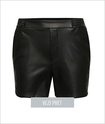 Pantaloni scurti negri Vila