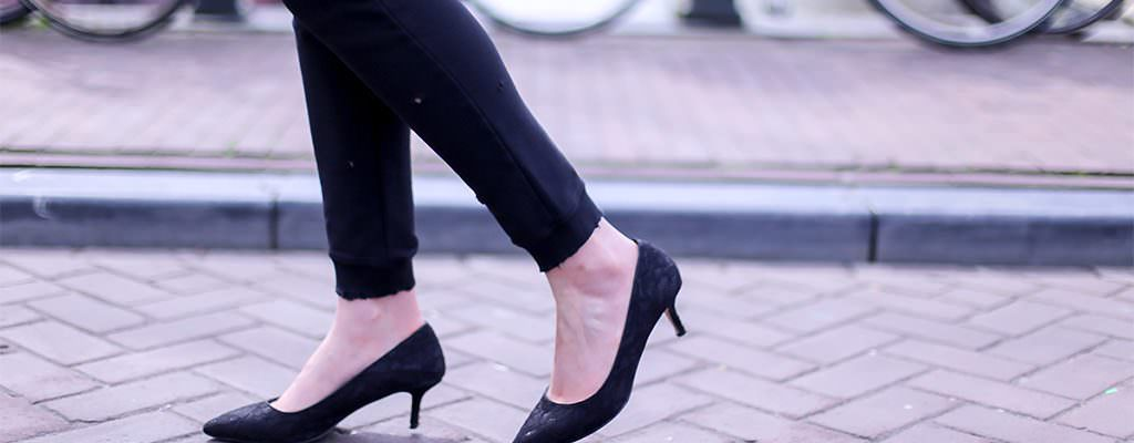 Pantofi cu toc mic kitten – modele ieftine de la magazinele online