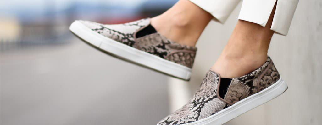 12 pantofi casual slip-on ieftini pentru femei