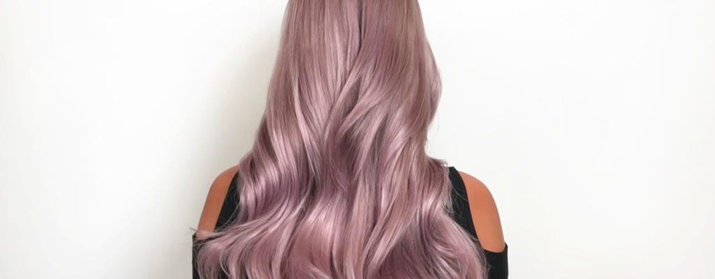 Păr roz, gri, albastru? Vezi ce nuanțe se poartă în vara 2017!