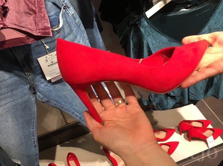 mujo-pantofi-rosii-tendinte-magazine