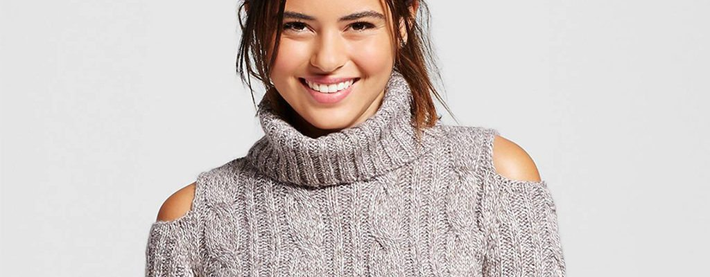 12 pulovere cu decupaje pe umeri la modă în această toamnă